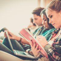 Studenci uczelnia